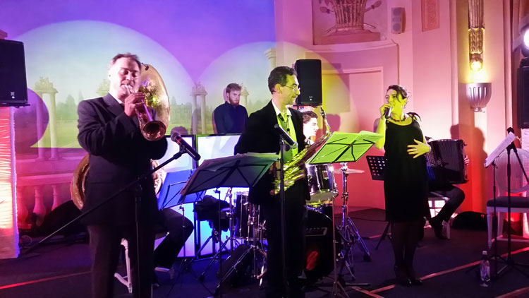 Wedding klezmer swing